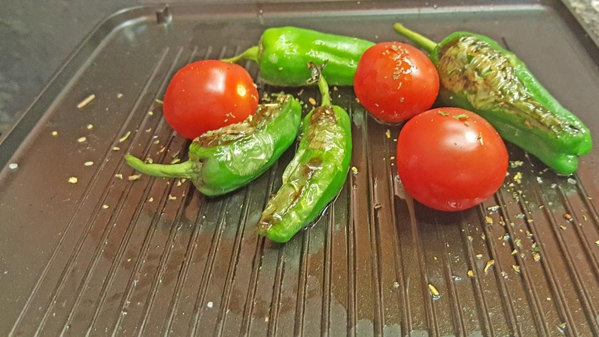 Bratpaprika - spanisches Rezept für Grill und Pfanne - sehr schnell fertig