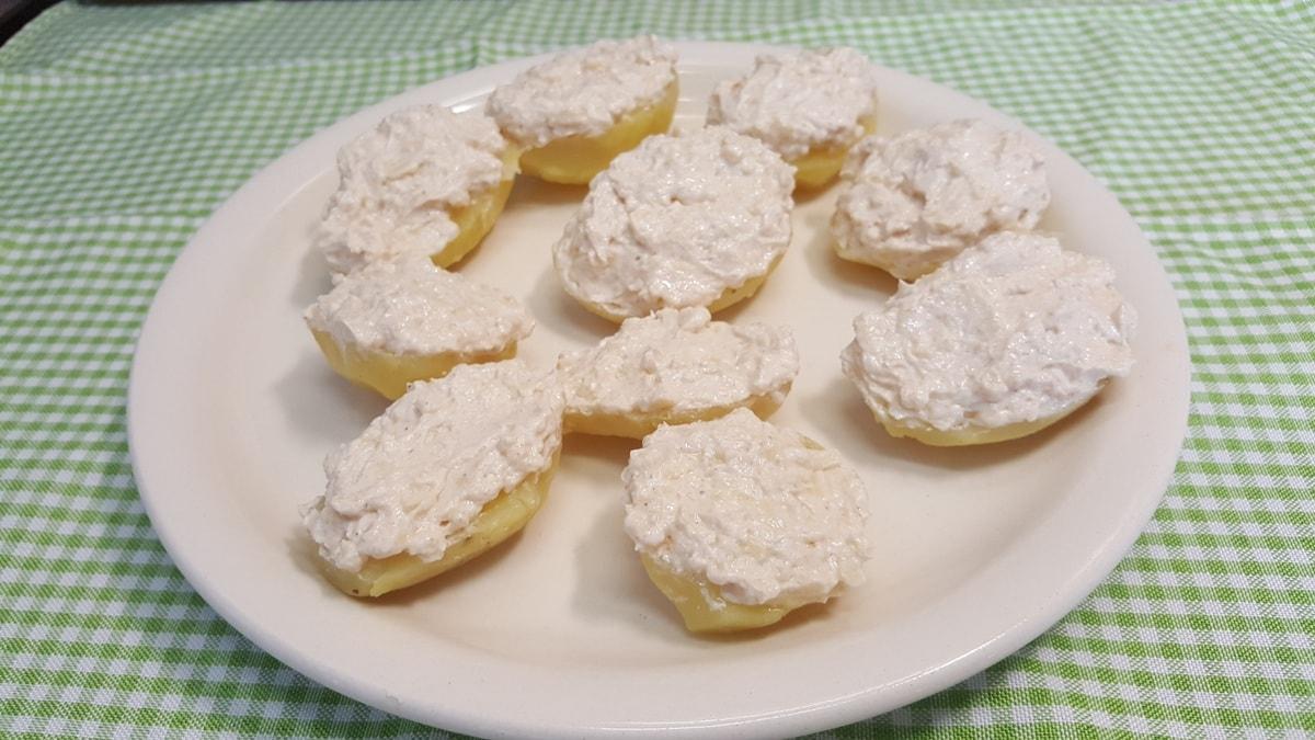 einfaches Rezept aus Kartoffeln und Käse - Resteverwertung