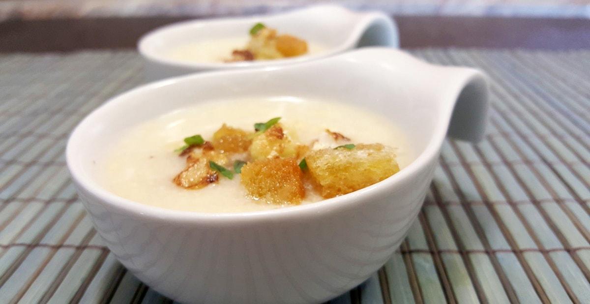 cremige Blumenkohlsuppe – heiß oder auch kalt genießen