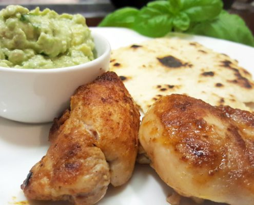 knuspriges Chicken mit Avocado Pesto