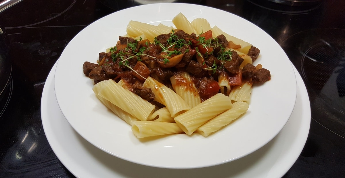 Rigatoni mit Rindfleisch Bolognese