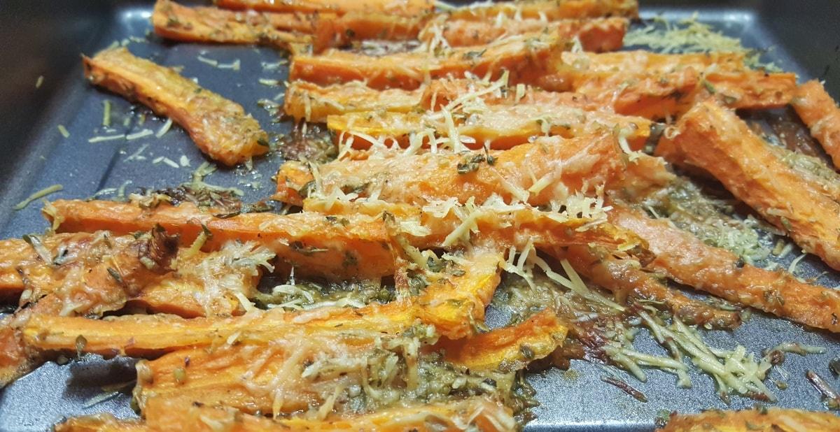 Ofenmöhren mit Parmesan
