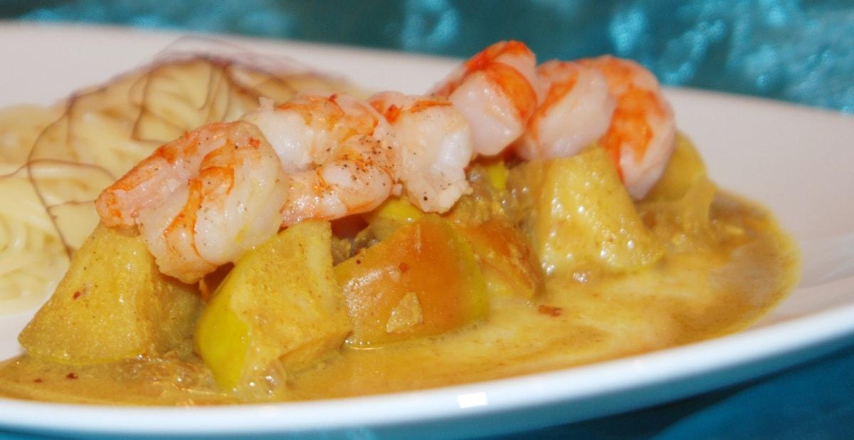 Rezept für ein fruchtiges Curry mit Äpfeln und Garnelen