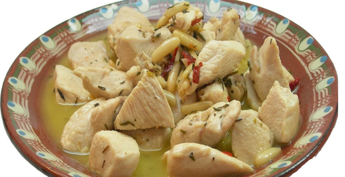 spanisches Tapas Rezept: Hähnchenbrust mit Pinienkernen
