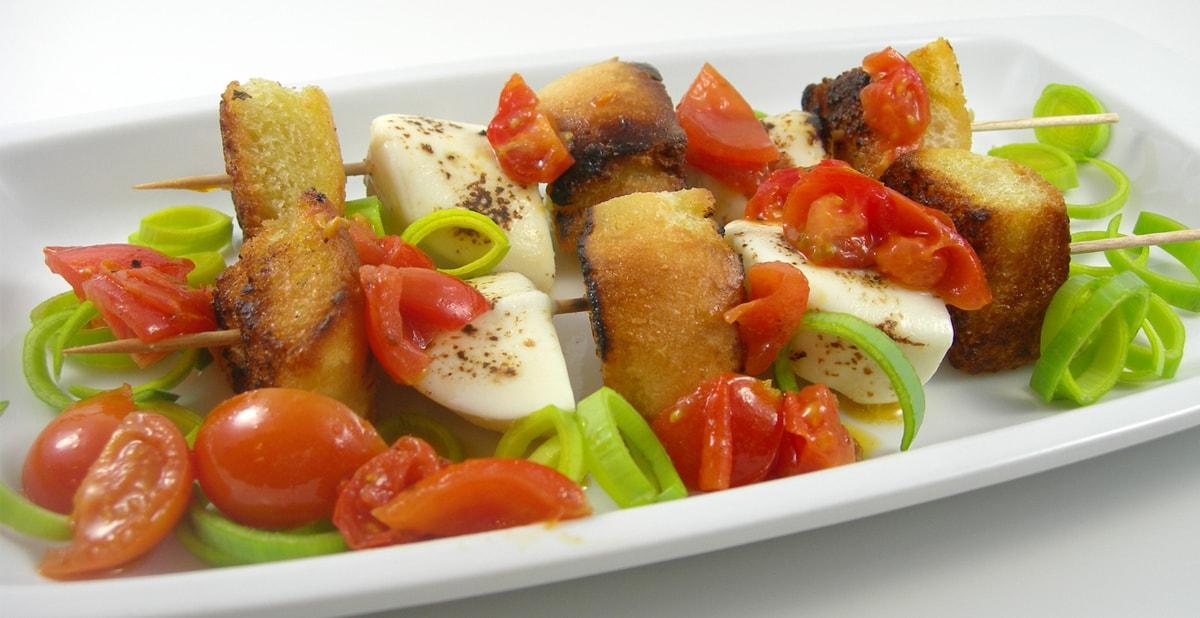 für Grill und Pfanne: Mozzarellaspieße