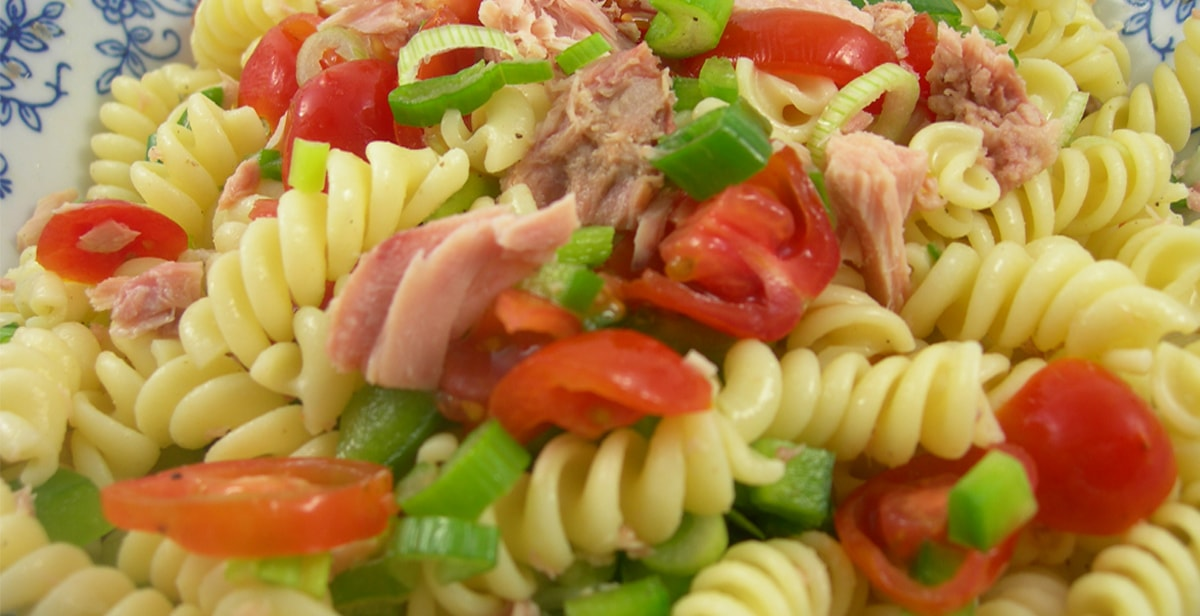 Bunter Thunfisch-Nudel-Salat