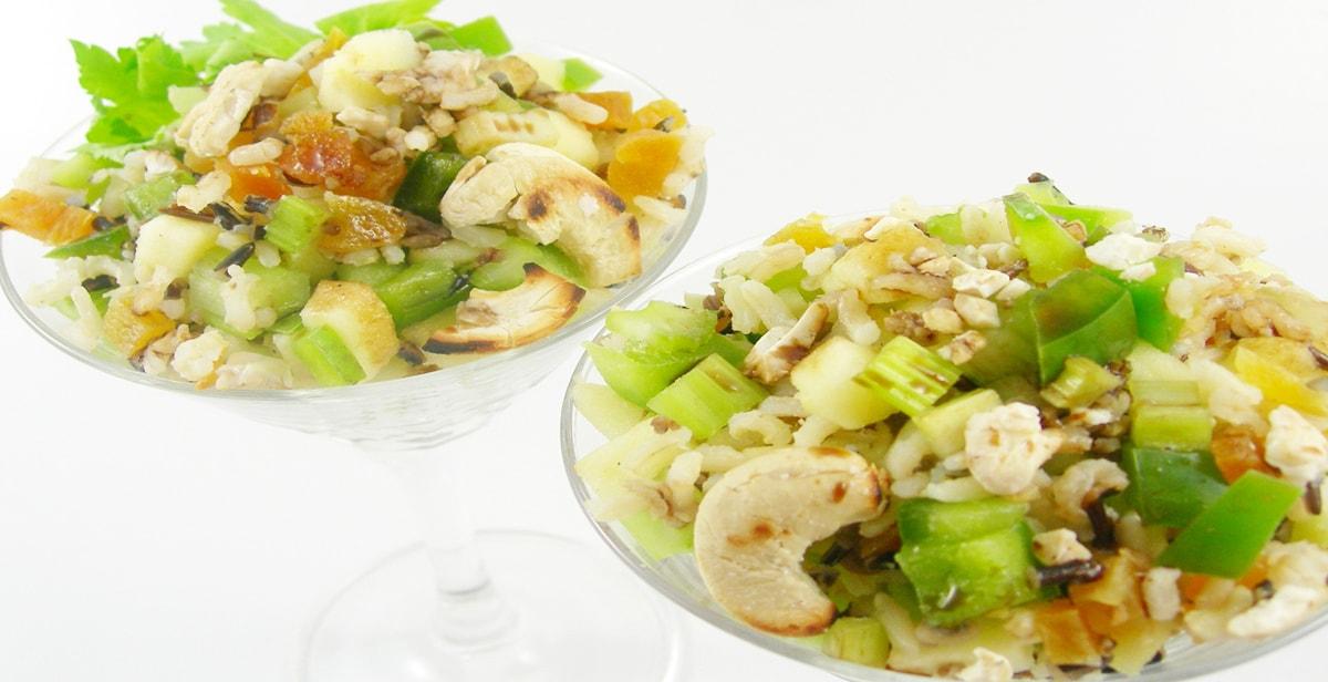 Salat mit Wildreis und Aprikosen