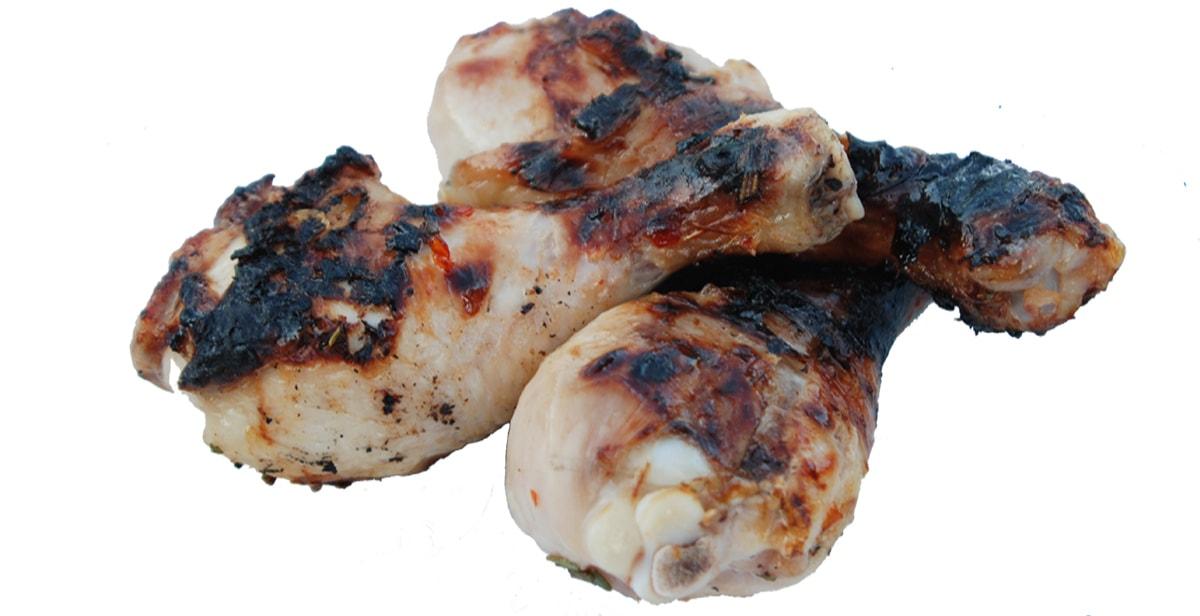 vom Grill oder aus der Pfanne - kalt zum Picknick: scharfe Hühnerkeulen