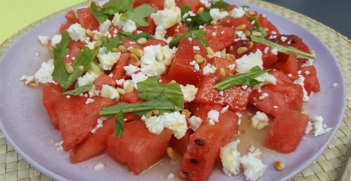 Salat mit Wassermelone, Feta und Rucola