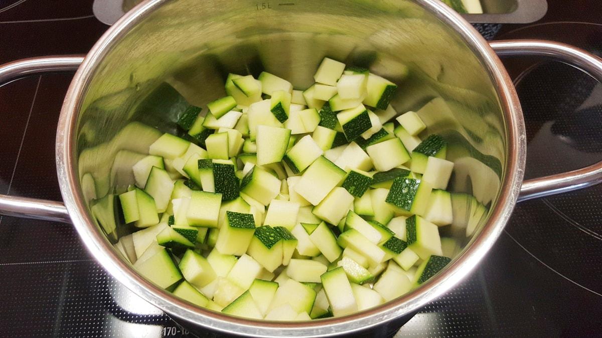 Zucchini-Curry-Suppe - einfach und schnell