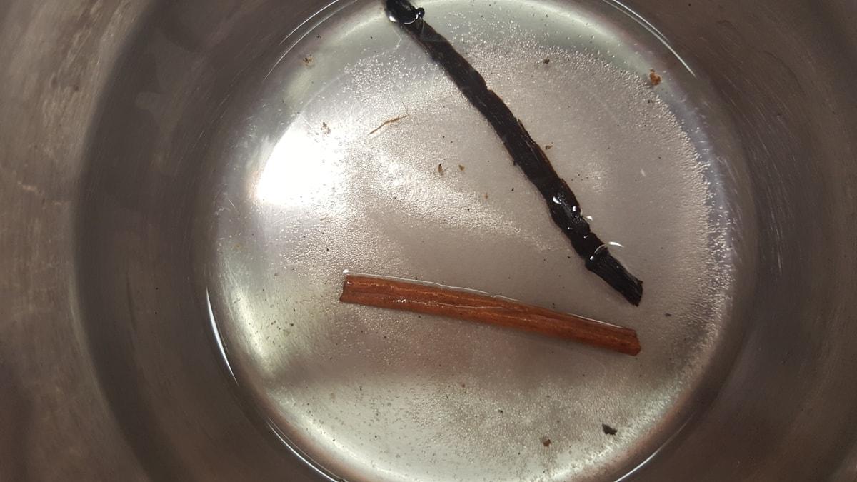 Apfelmus selber machen mit Zimt und Vanille