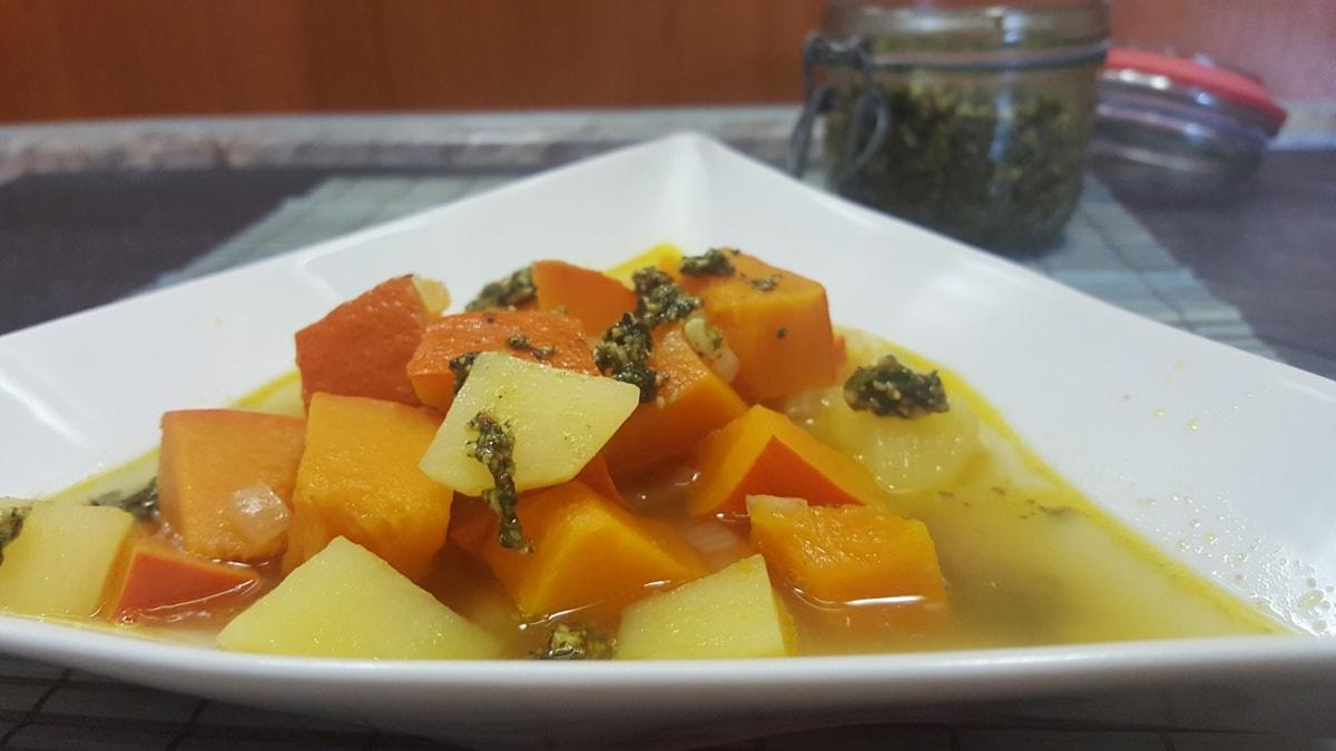Kürbissuppe Rezept einfach und schnell - Eintopf