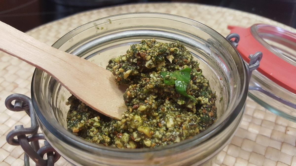 Pesto für Kürbissuppe Rezept einfach und schnell