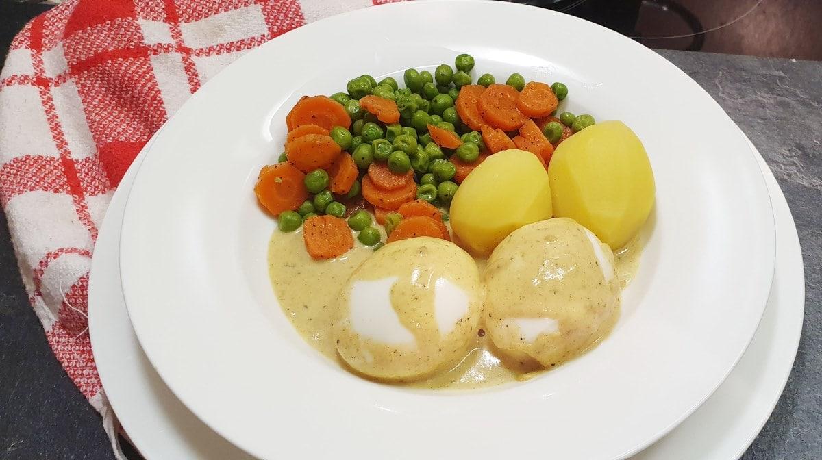 Currysoße und Ei - einfaches und schnelles Rezept