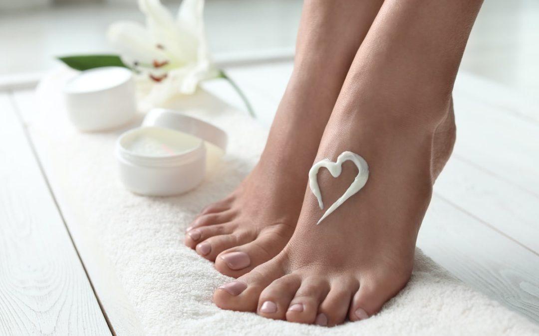 Fußbalsam selber machen – für streichelzarte Füße