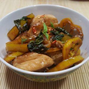 Thai Hühnchen mit Basilikum - einfaches Rezept