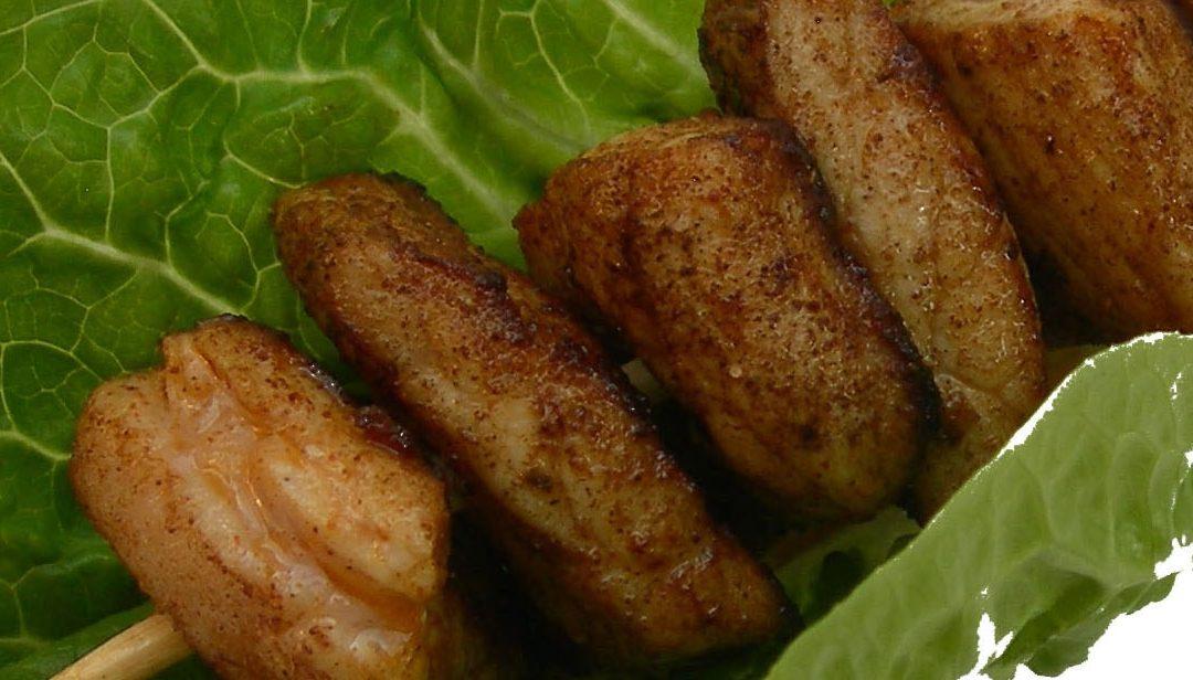 Hähnchen Spieß vom Grill mit Oliven-Zitronen-Marinade