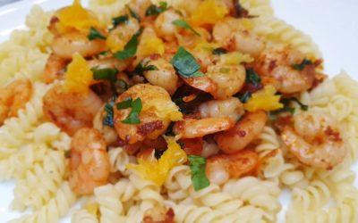 schnelle Pasta mit Bärlauch-Orangen-Garnelen