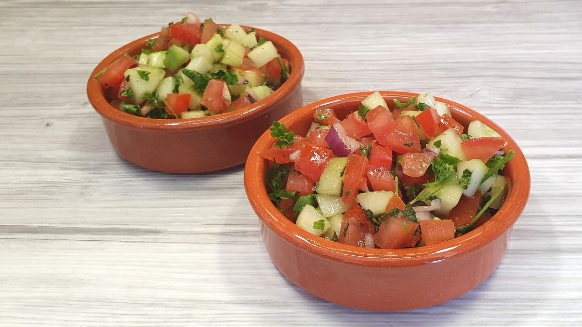 Rezept für Sommersalat mit Petersilie und frischer Minze