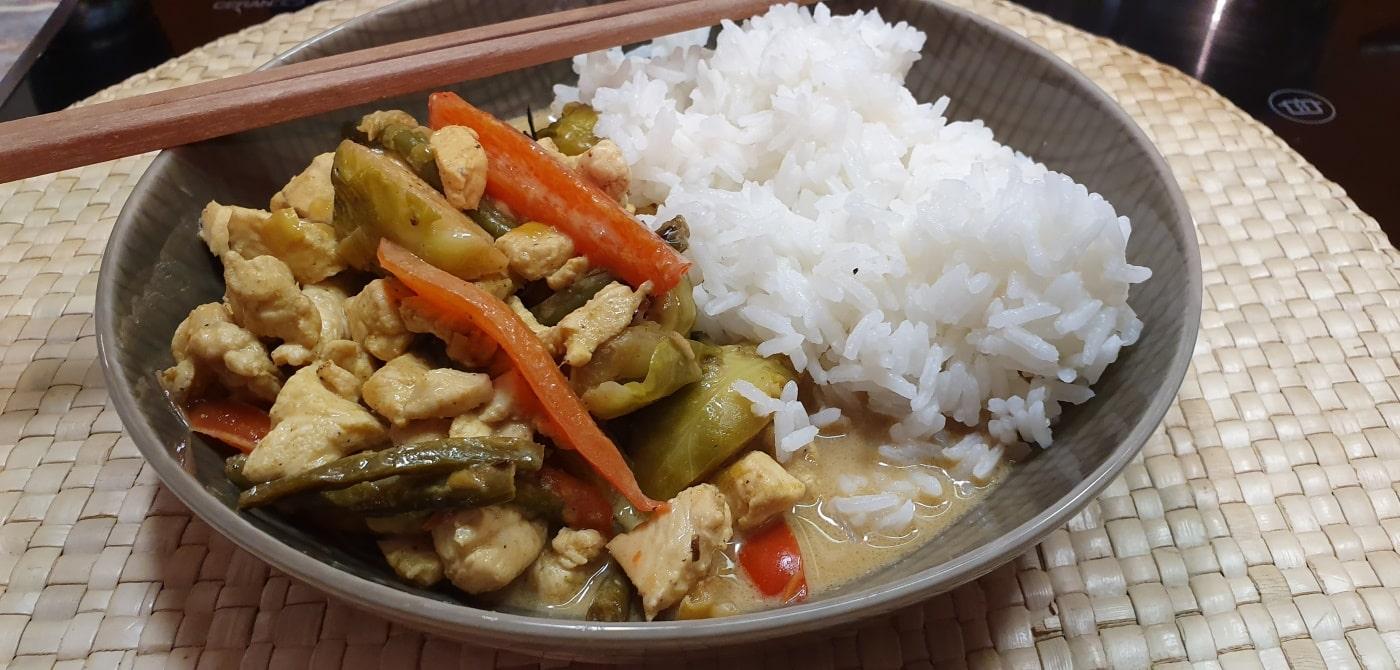 Thai Curry Hähnchen und Gemüse - einfaches und schnelles Rezept
