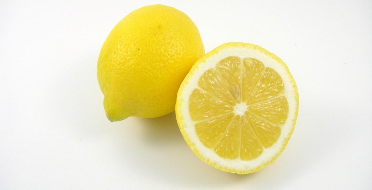 Zitrone für Zitronenschale Abrieb